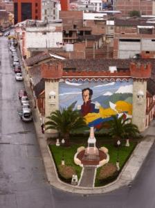 Bolívar Enters Loja